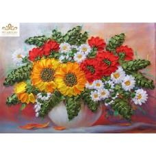 Бродерия с ленти  Цветя в бяла ваза